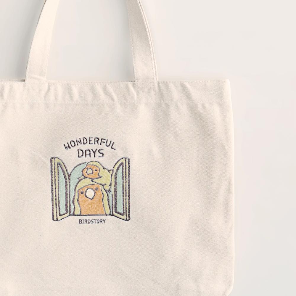 刺繍トートバッグ(WONDERFUL DAYS / コザクラインコ / ルチノー)
