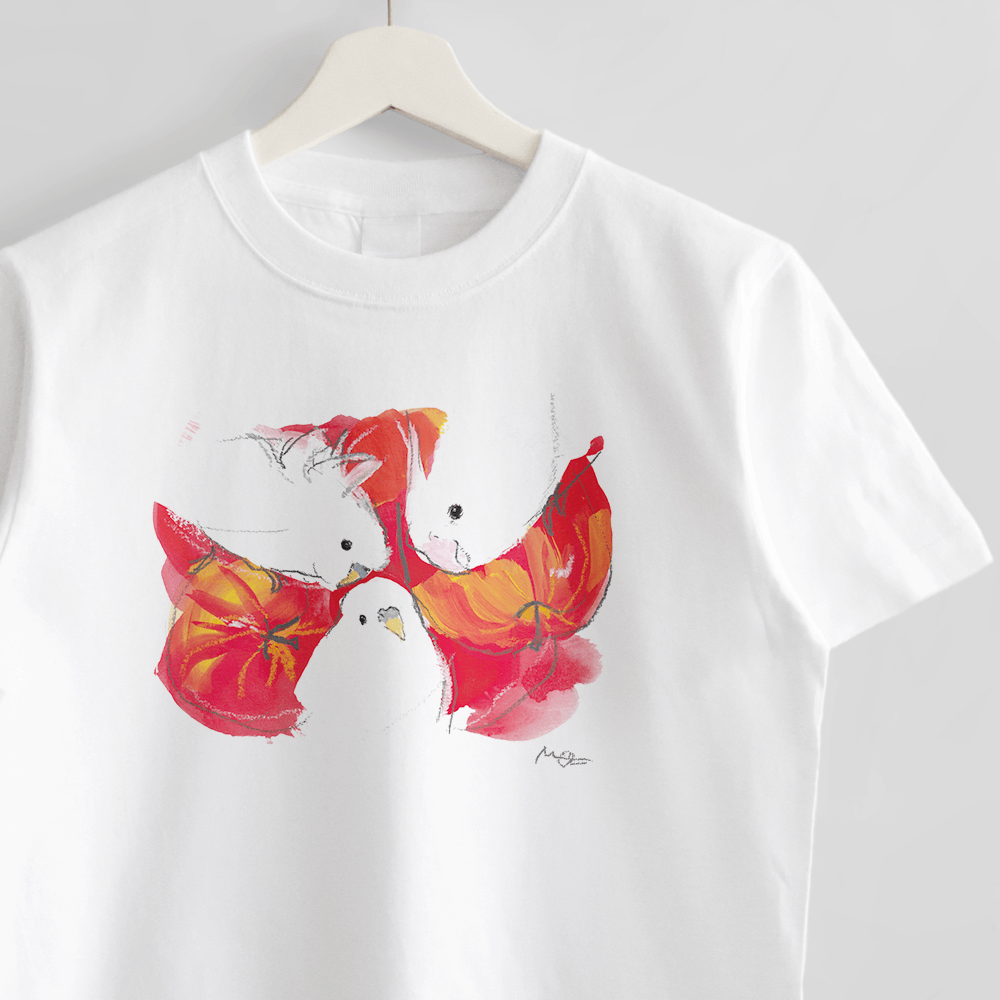 Tシャツ(オクムラミチヨ / 白い小鳥さんたちとりんご)